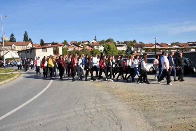 Cilj šetnje je potaknuti djecu na sport i razviti duh zajedništva