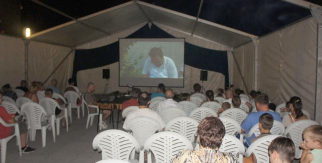 Foto-kino Baranja film organiziralo kino na otvorenom