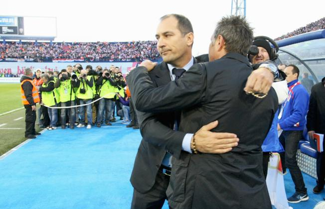 Quality picture: Igor Stimac & Sinisa Mihajlovic hug it out before Croatia 2   Serbia 0