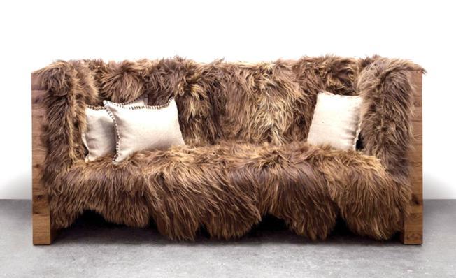 Sofa s ovčjim krznom
