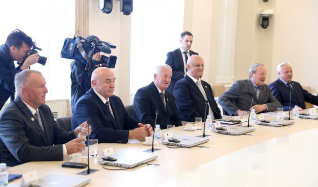 Generalski zbor čestitao strankama